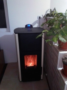 Poza Termosemineu pe peleti FORNELLO ROYAL 30 kW - exemplu de montaj